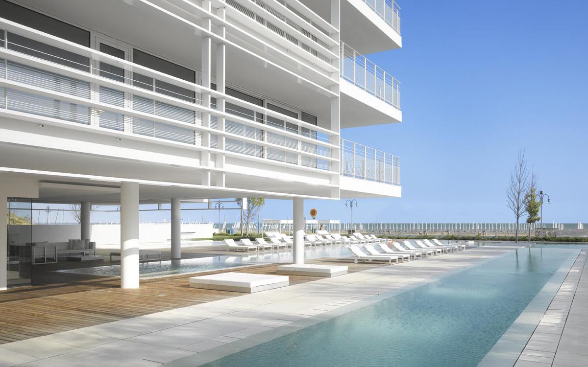 The beach houses appartamenti di prestigio in jesolo for Richard meier architetto