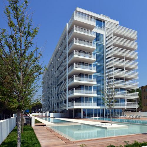 The beach houses the pool houses di richard meier for Richard meier architetto