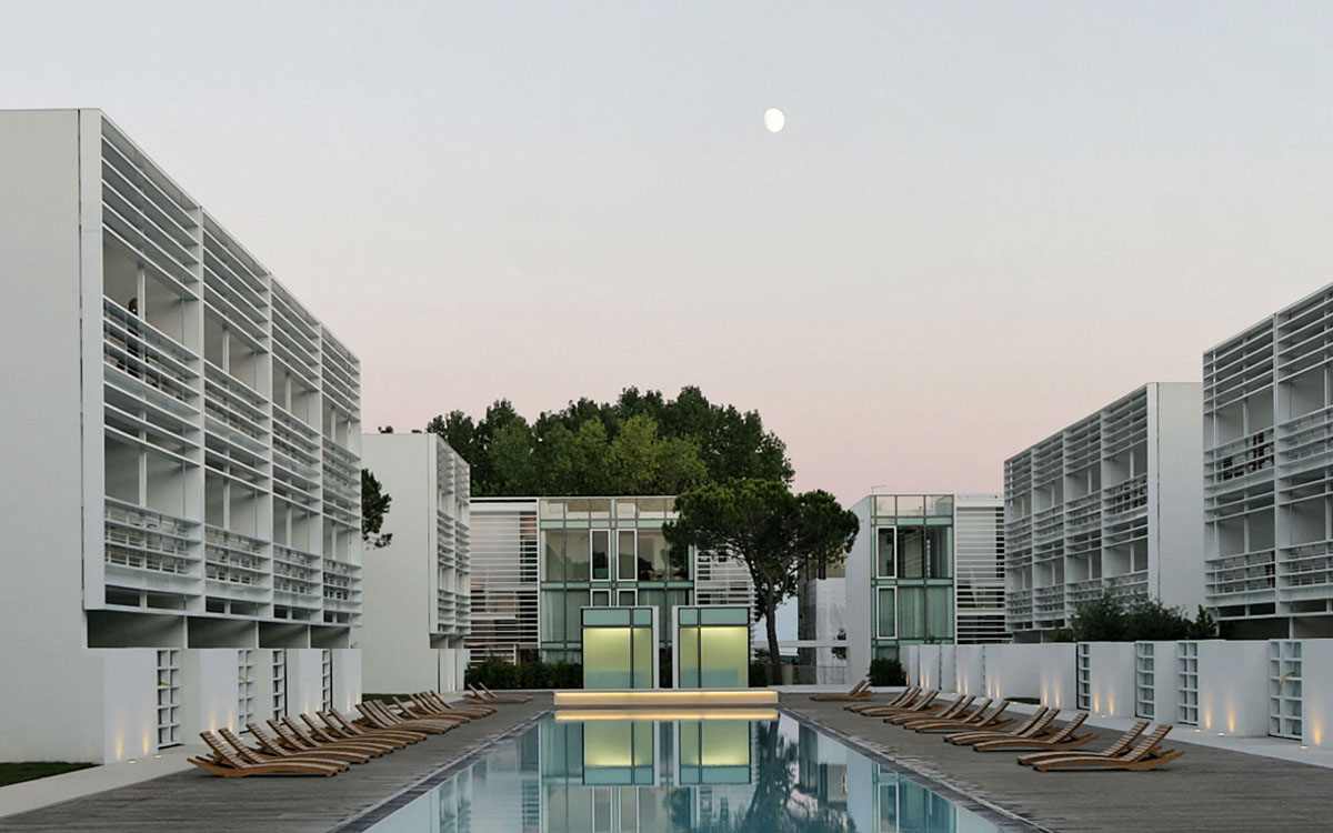 Jesolo Immobiliare by Richard Meier present The Pool ... Houses For Rent
